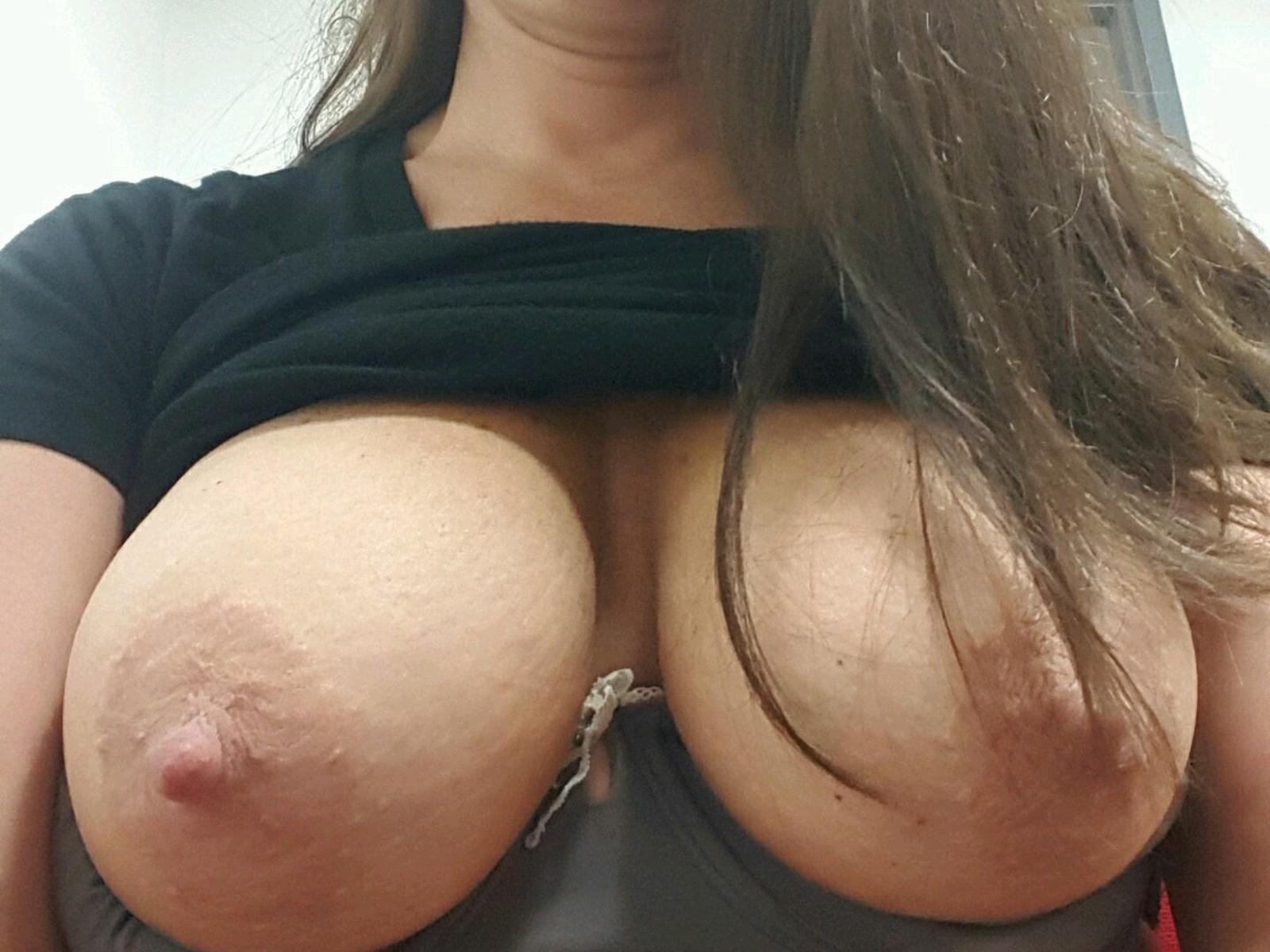 Jami gertz boob size