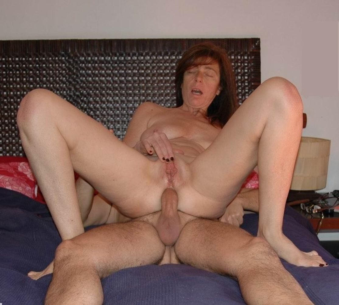Homemade chubby mature wife