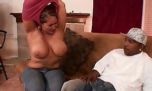 Bodacious mamacita prevalent chunky tits Crave Atoll gets her pussy owned by little man'_s huge cock