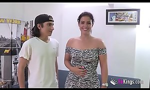 Filipe'_s best waking brutish are Montse'_s videos. Today, he'_s pulverizing her _)
