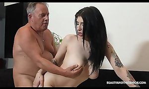 Beautiful MILF together with deepthroats together with fuck to hand grandpas