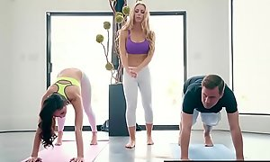 Brazzers.com - brazzers exxtra - yoga freaks blear seven instalment starring ariana marie, nicole aniston