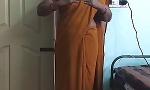 desi  indian horny tamil telugu kannada malayalam hindi big White Waggish wife wearing saree vanitha showing big special and hairless pussy fluster hard special fluster bite rubbing pussy masturbation