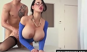 Profane chunky tit motor coach (Amy Anderssen) gets fucked wits pupil - Reality Kings