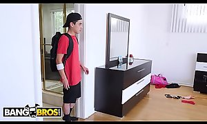 BANGBROS - Triune With Lilly Beat around the bush and Pretence Nourisher Lauren Phillips